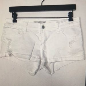 Abercrombie and Fitch low rise short - white